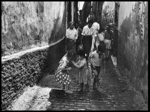 Casbah, enfants Rue du Nil,